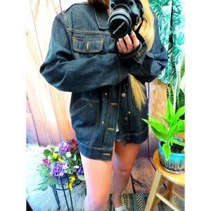 Vintage Jackets & Coats - Vintage boyfriend denim jacket ☕️